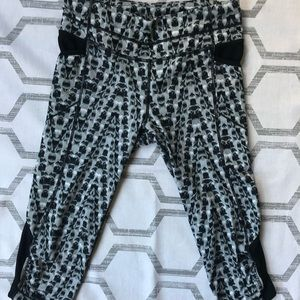 [ATHLETA] 3/4 Length Printed Yoga Pants